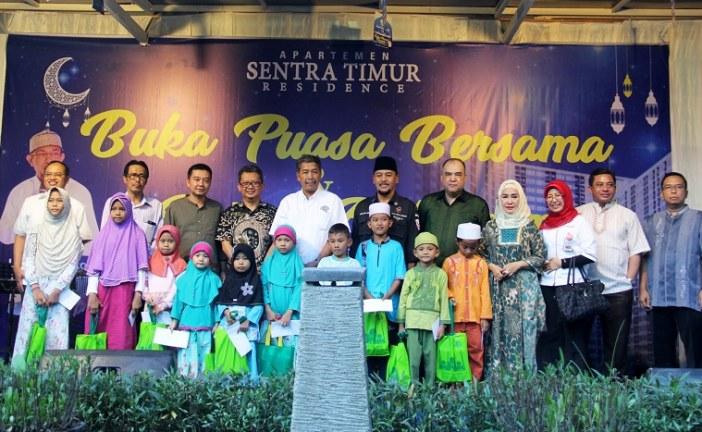 Sentra Timur Residence Mengundang Anak Yatim Berbuka Puasa Bersama